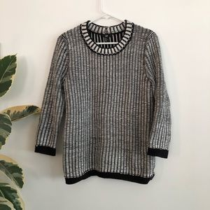 H&M black and white collar sweater M